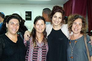 Ayala Luyckx and Hila – IDE team and Zippi at Amit Dvir school